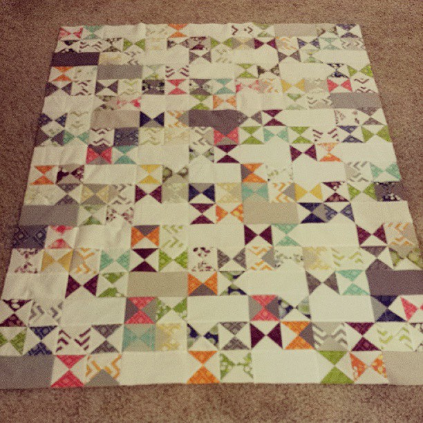 Had to finish this quilt top to get it off my design wall. Ohhhh darn. It's been a fantastically quilty weekend. ♡♥♡♥
