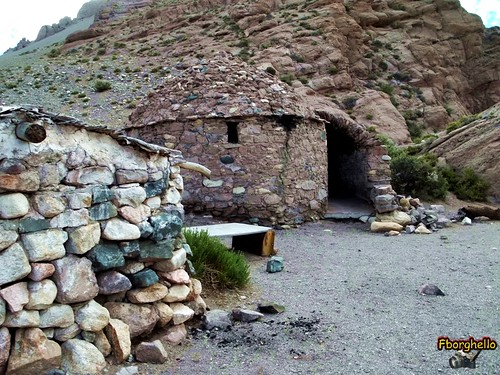 Autor: casa de piedra