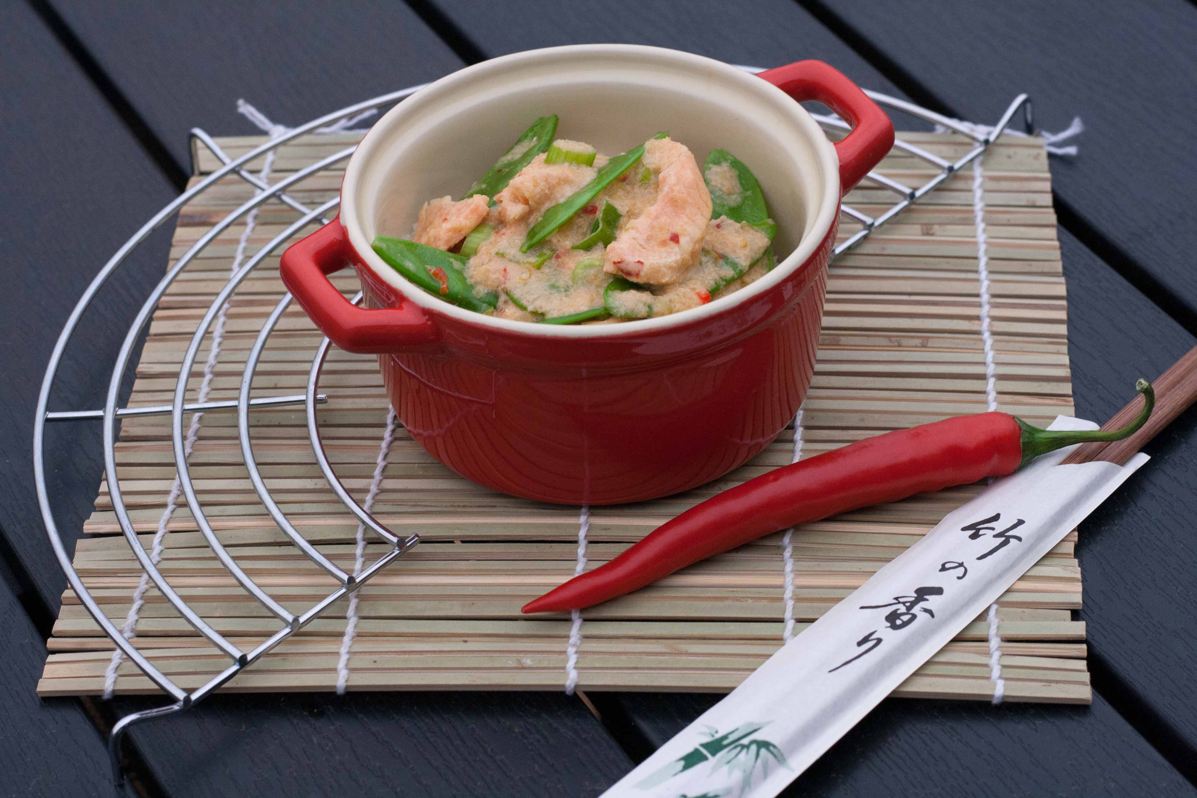 Recipe on homemade Salmon in Creamy Red Curry Sauce