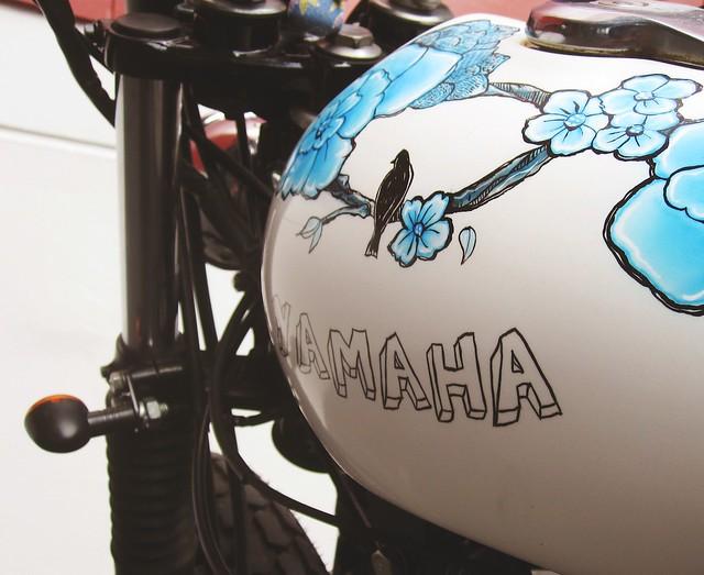 Blossum - Custom Yamaha SR400