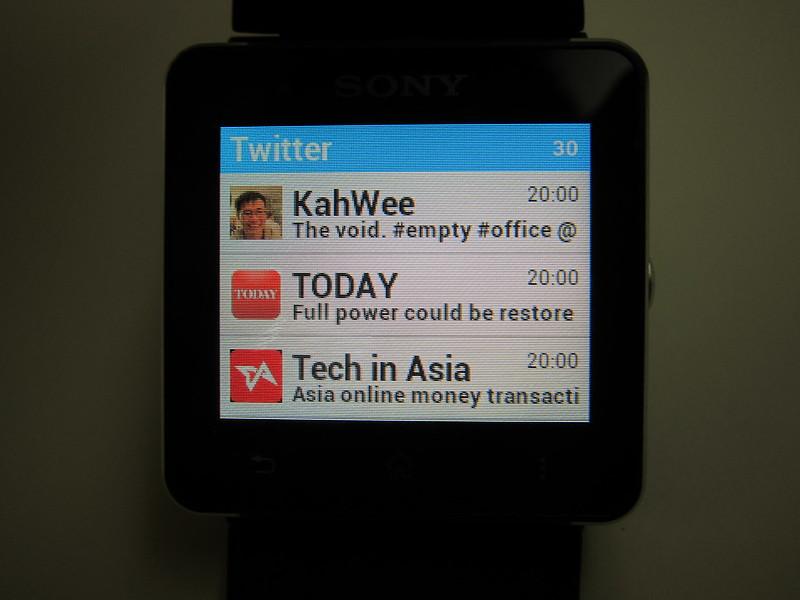 Sony SmartWatch 2 - Twitter App