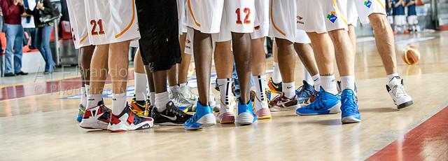 Team Basketball Shoes