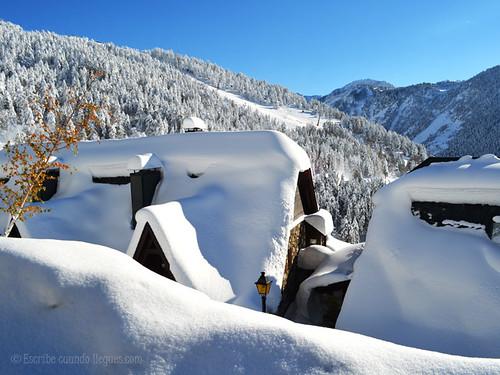Increíble nevada en el pueblo de Baqueira Beret, dentro del Valle de Arán