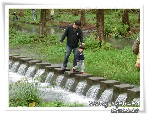 120226-跟爸爸散步去 (1)