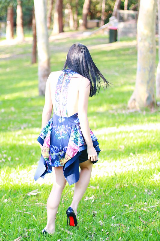 cameo dark magic floral navy dress