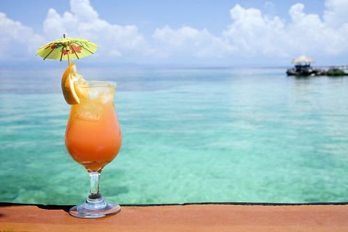 Dr. Joel Schlessinger weighs in on the link between alcohol and skin cancer