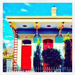 It was below freezing on Wednesday and it was in the 70s today. Great day to explore nola and see great houses like this #onlyinneworleans #nola
