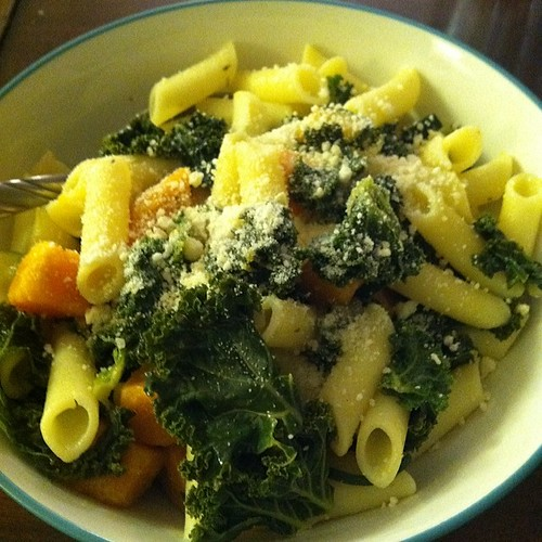 Kale, sweet potato, zucchini, onions, penne rice pasta, and Parmesan in a lemon butter garlic sauce.