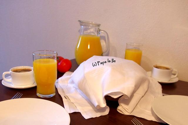 Pancakes cu cascaval si sunca (9)