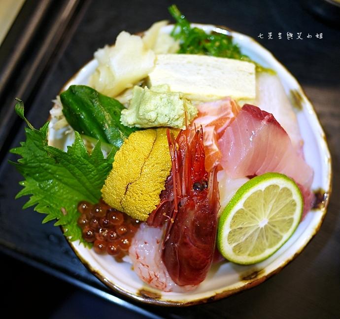 12 小六食堂海鮮散壽司