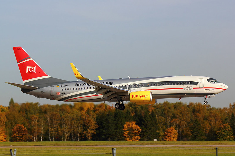 TUIfly - B738 - D-ATUE (2)
