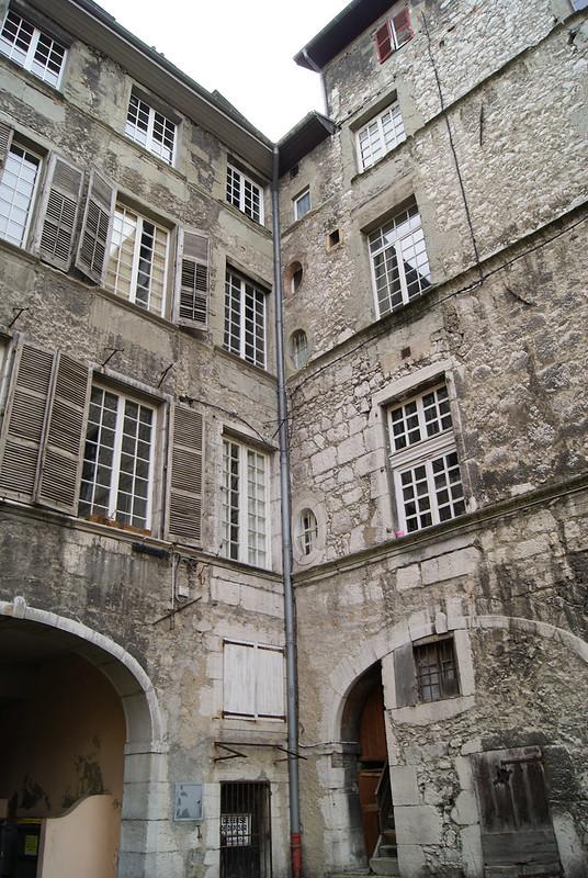 Cour de l'hôtel Castagnery-de-Chateauneuf
