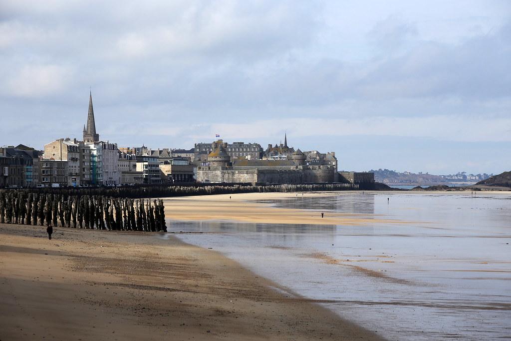 La plage et la ville
