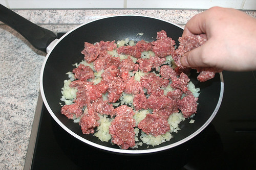15 - Hackfleisch addieren / Add ground meat