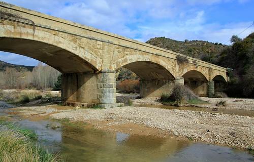 Luesia..puente sobre el Arba...  (Zaragoza)