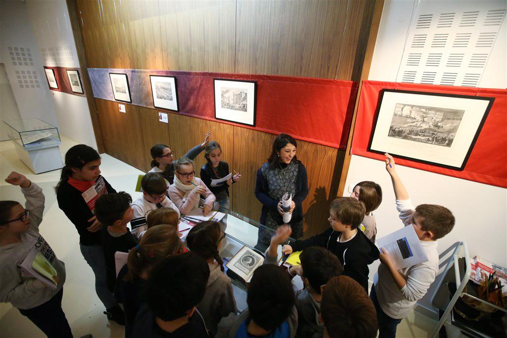 Les CM2 de Saint-Vincent-de-Paul visitent l'expo ''Les Landes et la révolution française'' aux Archives départementales
