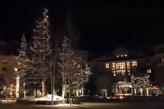 月, 2016-12-12 20:28 - Mountain Villageの夜