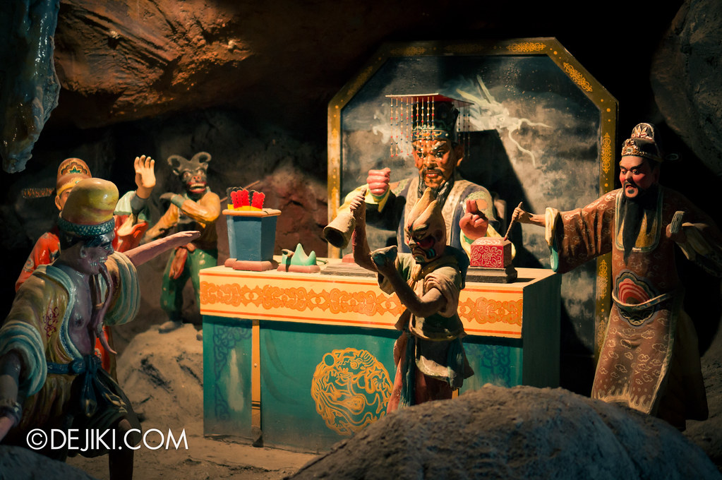 Haw Par Villa - inside ten courts of hell 4