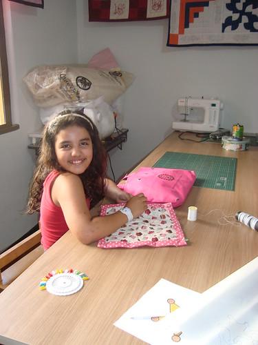 Turmas infantis...Ana Julia...9 anos e muita vontade de aprender by Maringá Patchwork by Ruth Urbinati