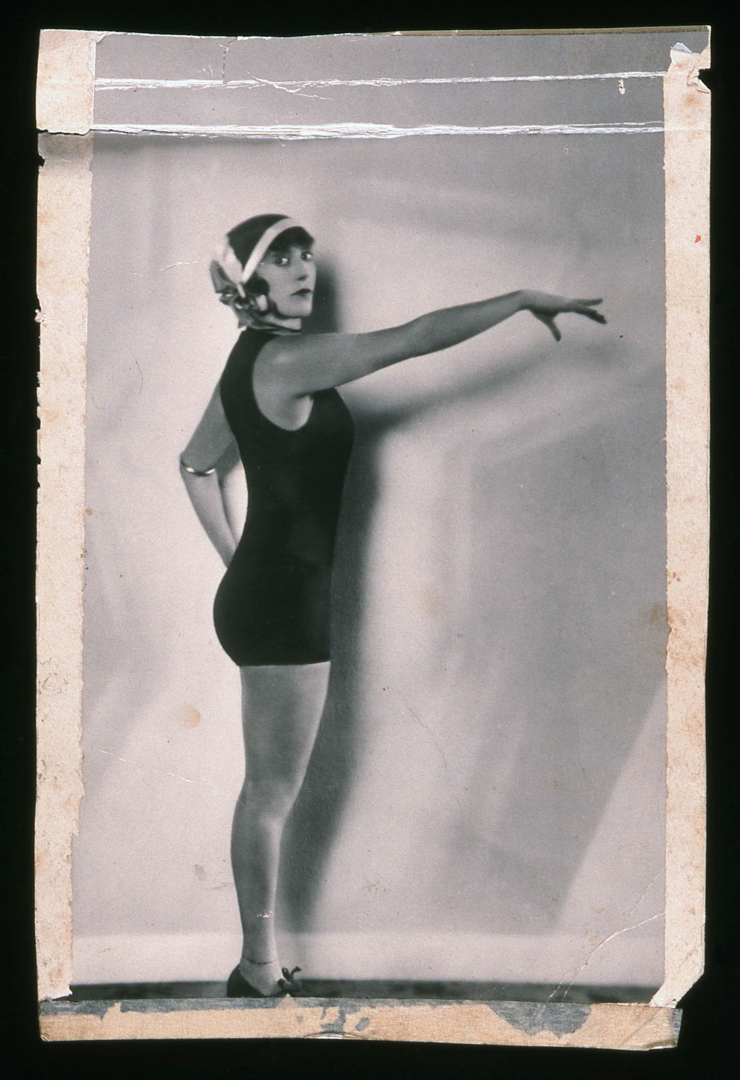 Studio portrait of Annette Kellerman