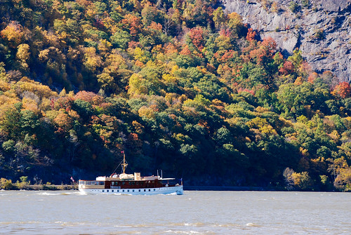cruise autumn ny newyork fall boat sailing unitedstates hudsonriver newyorkstate coldspring hudsonrivervalley 2013 nikond80 tamron18270mmlens
