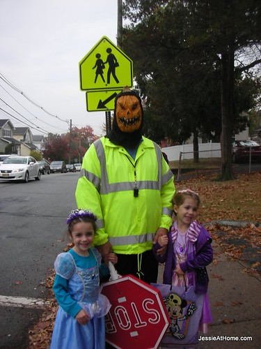 Princesses-and-thier-crossing-guard