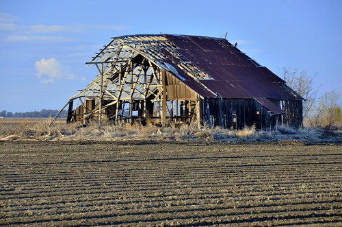 Old Barn, CA Hgy 45