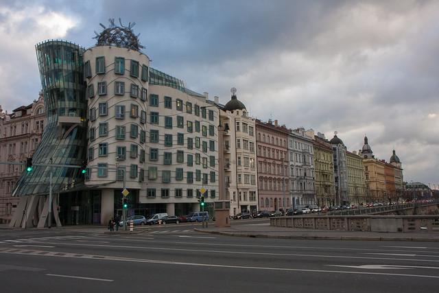Dancing House (Nationale-Nederlanden building), Prague