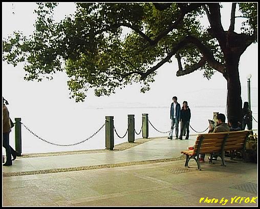杭州 西湖 (其他景點) - 640 (湖濱路湖畔旁的雕塑)