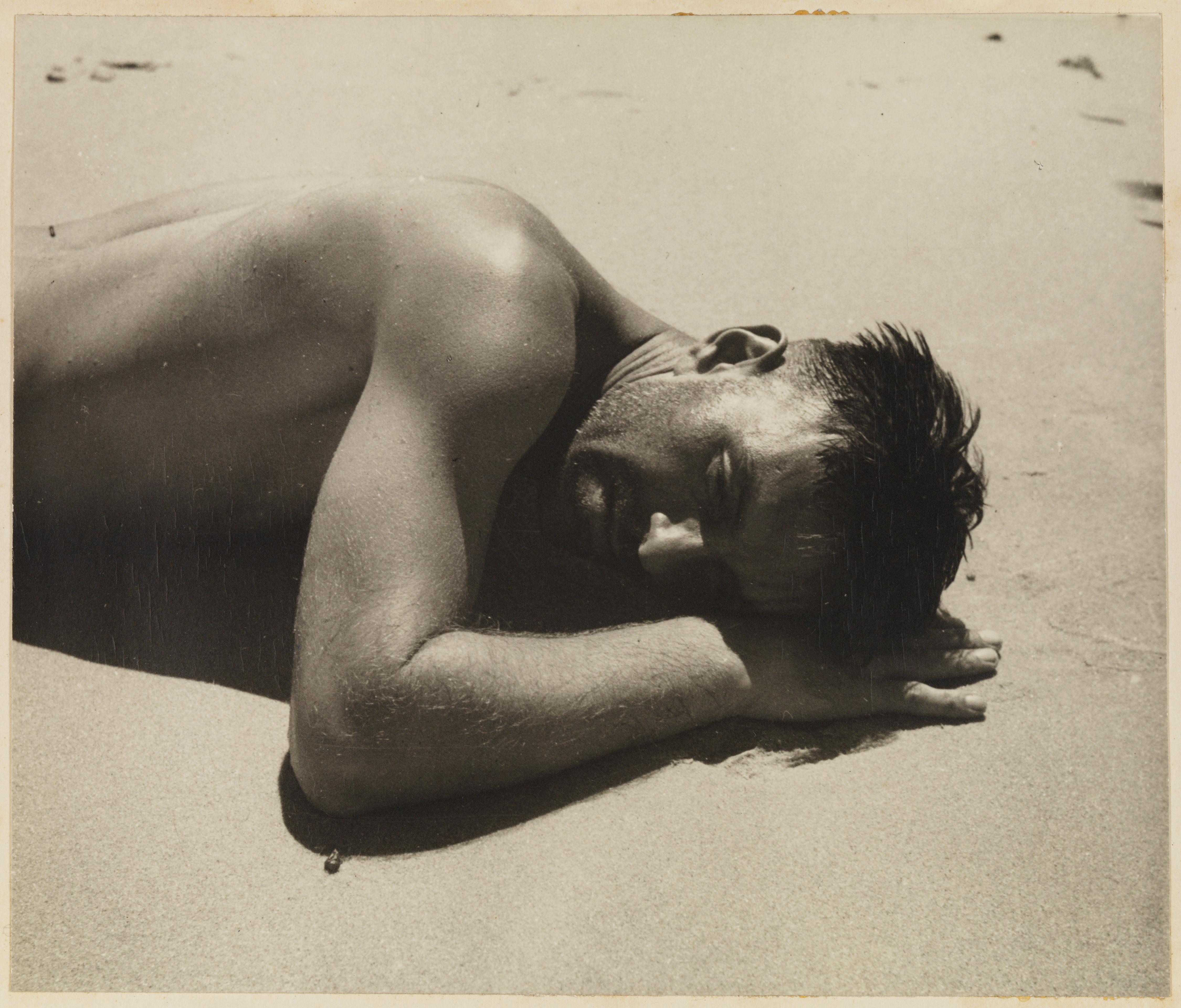 Harold Salvage sunbaking, variant to