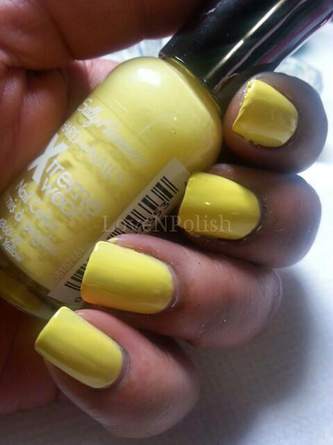 Sally-Hansen-mellow-yellow