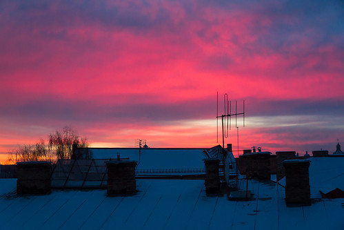 roof red chimney sky snow colour sunrise tops antenna