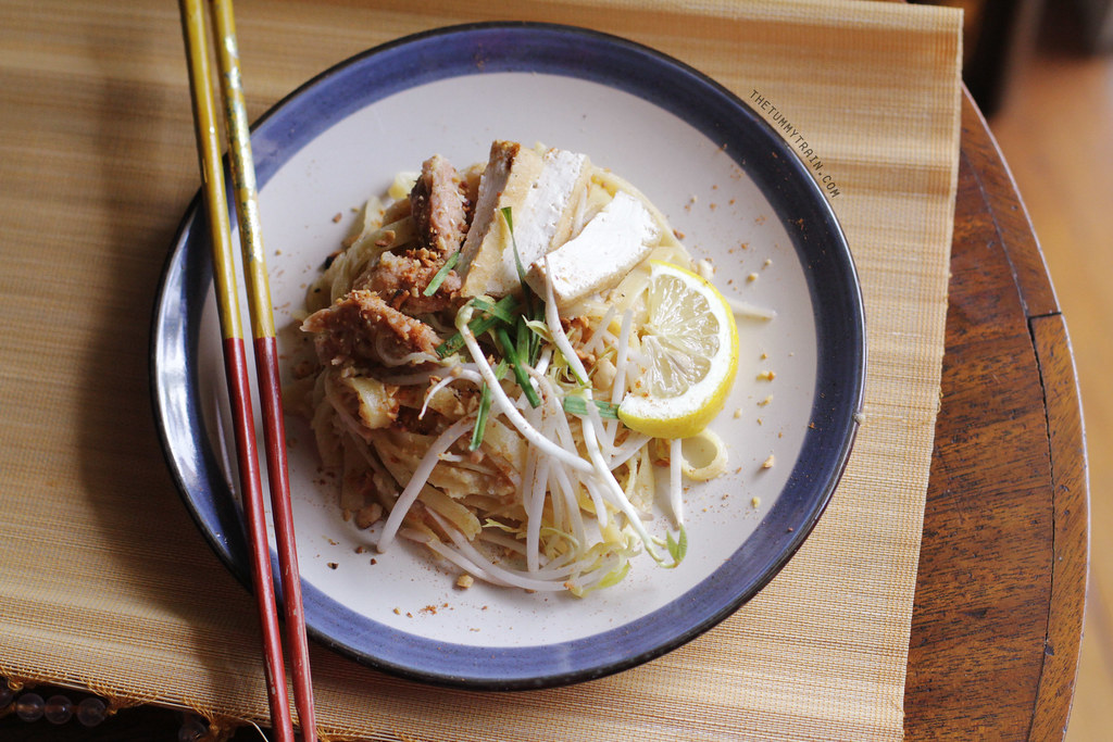 13622271875 7212bb78db b - Some Spicy Tuna Pad Thai to start with