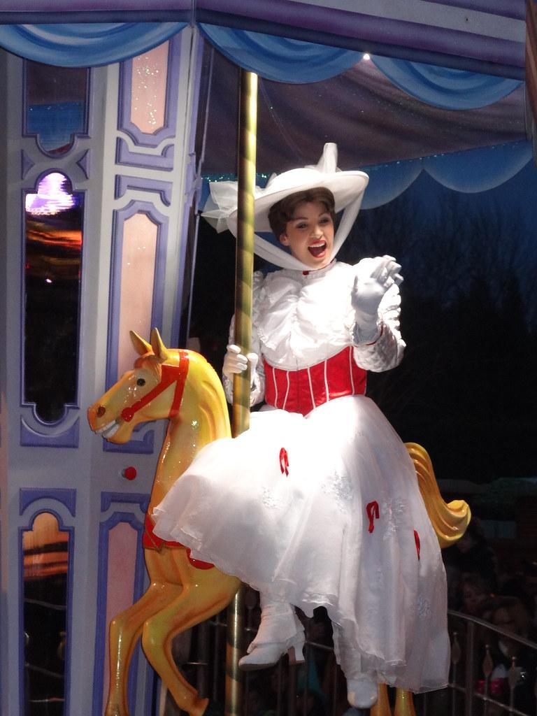Un séjour pour la Noël à Disneyland et au Royaume d'Arendelle.... - Page 4 13695824304_a9152cb24f_b