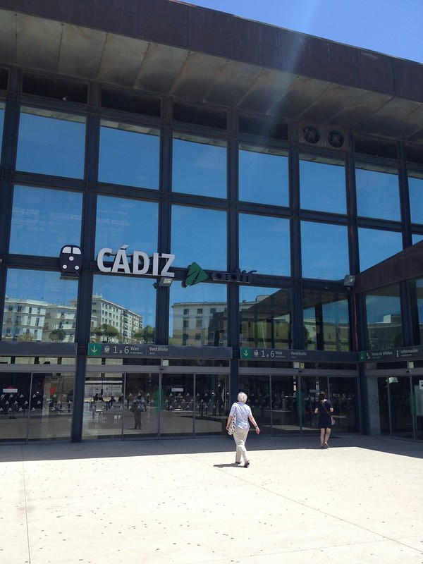 Coming to Cadiz by train