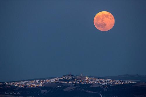 Primera Luna llena de Julio sobre Espejo