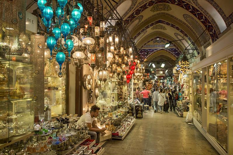 Haggling at Grand Bazaar in Istanbul