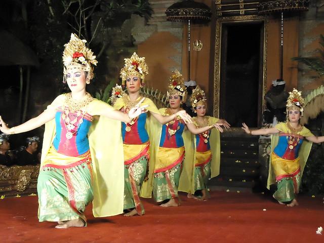 Danza balinesa en el palacio de Ubud