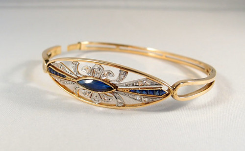 Art Deco 18K solid gold hinged bangle bracelet with rose cut diamonds, Calibrated sapphires Blue paste cabochon, French stamped gold jewelry