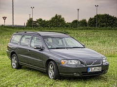 automobile, automotive exterior, family car, vehicle, volvo xc70, volvo v70, full-size car, bumper, volvo cars, land vehicle,