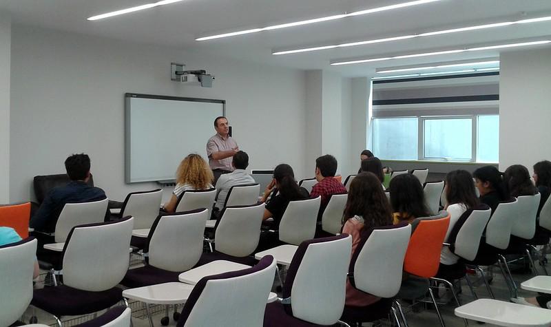 Psikoloji isteyen Anadolu Lisesi öğrencileri Üsküdar Üniversitesini gezdi 3