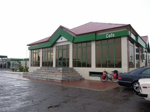 モーテル内のカフェ