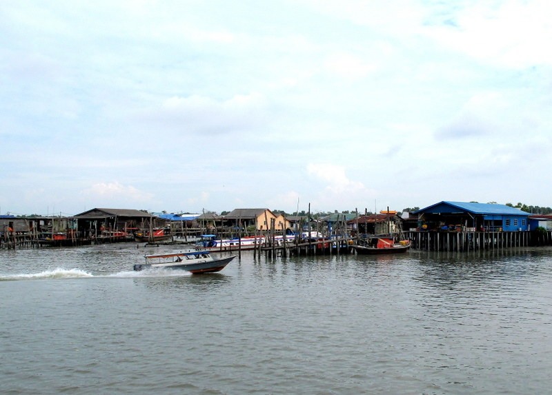 Pulau Ketam, Crab Island - houses on stilts