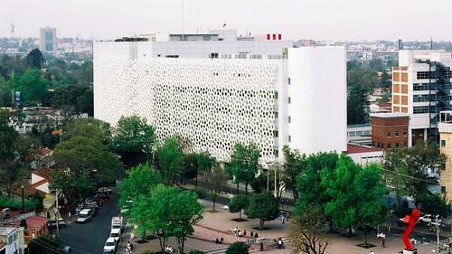Mexico City Hospital外牆巨大的空氣清淨器,Elegant Embellishments公司2012年推出的Prosolve除污瓦