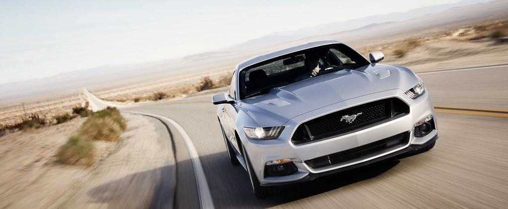 2015 Ford Mustang - SMADEMEDIA.COM