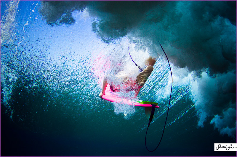028-sarahlee-eco_pink_surfboard_underwater_duckdive.jpg