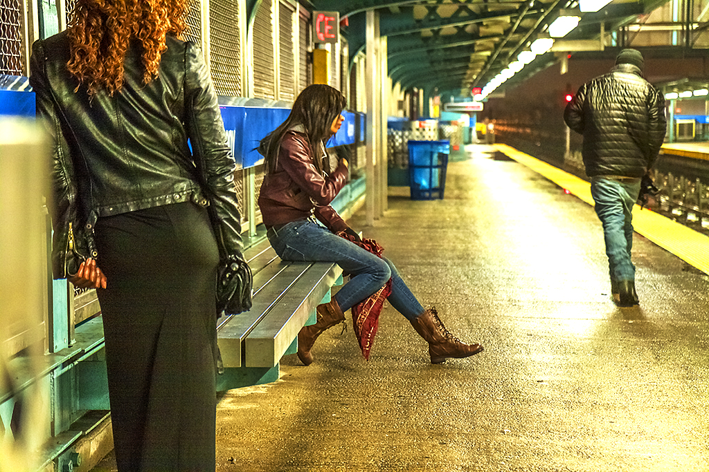 Subway-platform-on-3-29-14--Kensington