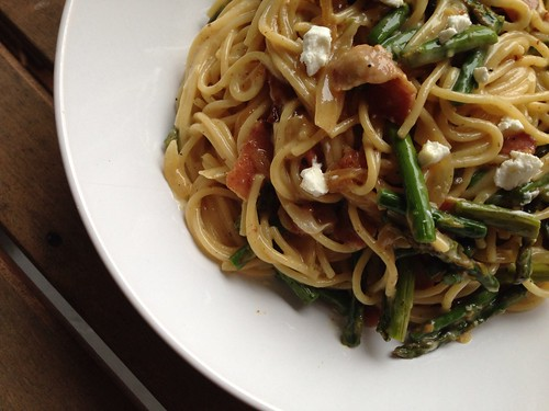 Taste of Home Cooking: Goat Cheese and Roasted Asparagus Carbonara