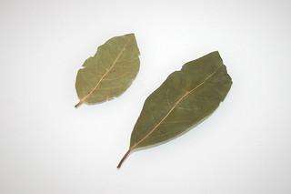 06 - Zutat Lorbeerblätter / Ingredient bay leafs