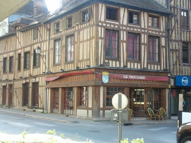op weg naar Troyes